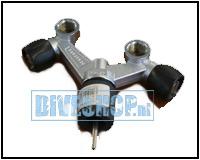 Double tank valve